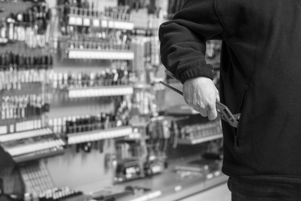 Shoplifting pursuit leads to crash